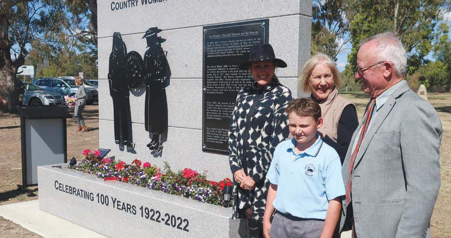 The Munro family also attended the unveiling who are the direct descendants of Grace Emily Munro.